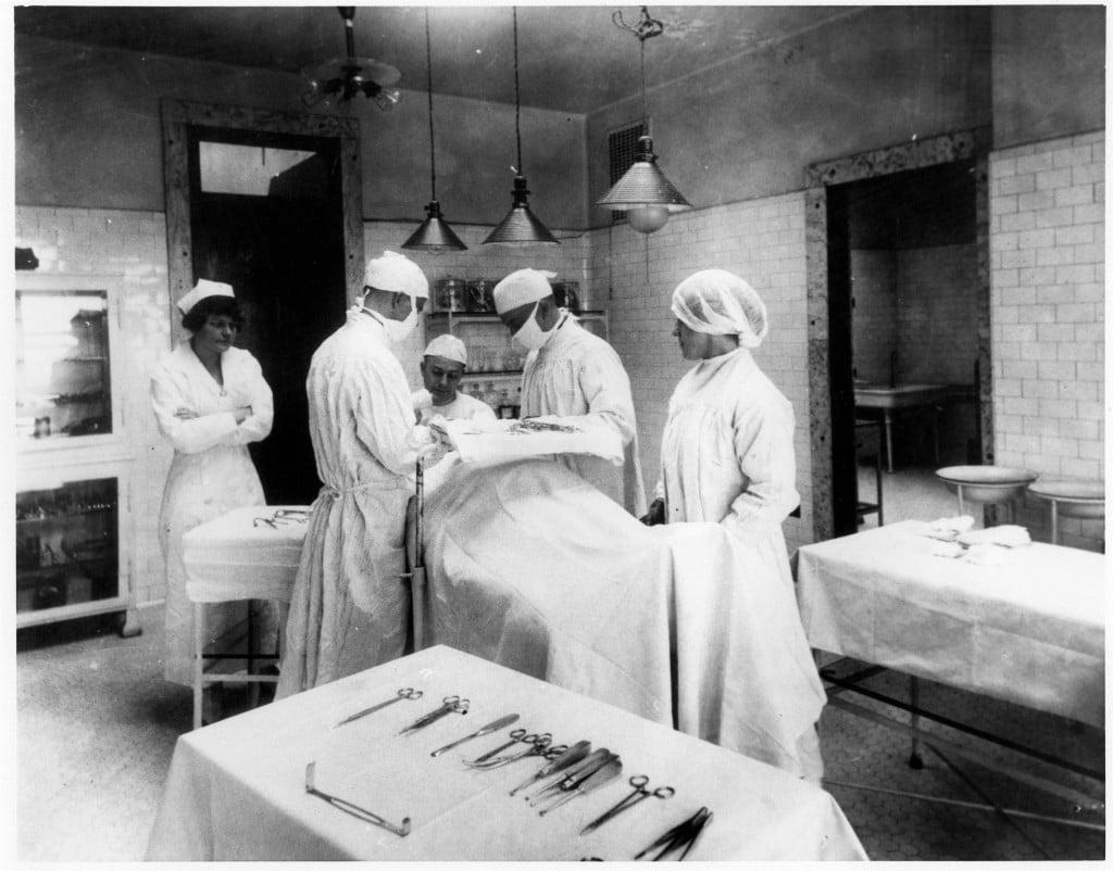 Ellis-Island-operating-room-1024x802